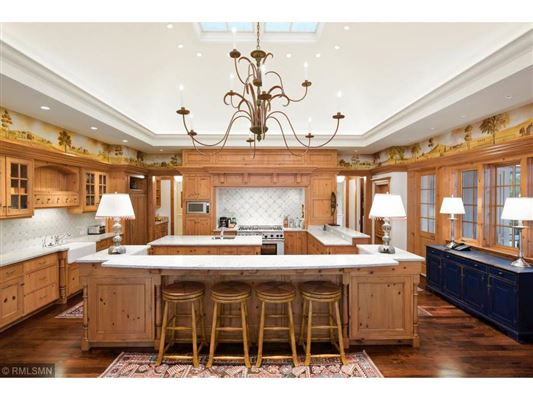 Ten Aker Wood luxury real estate