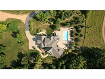 Extraordinary custom estate mansions