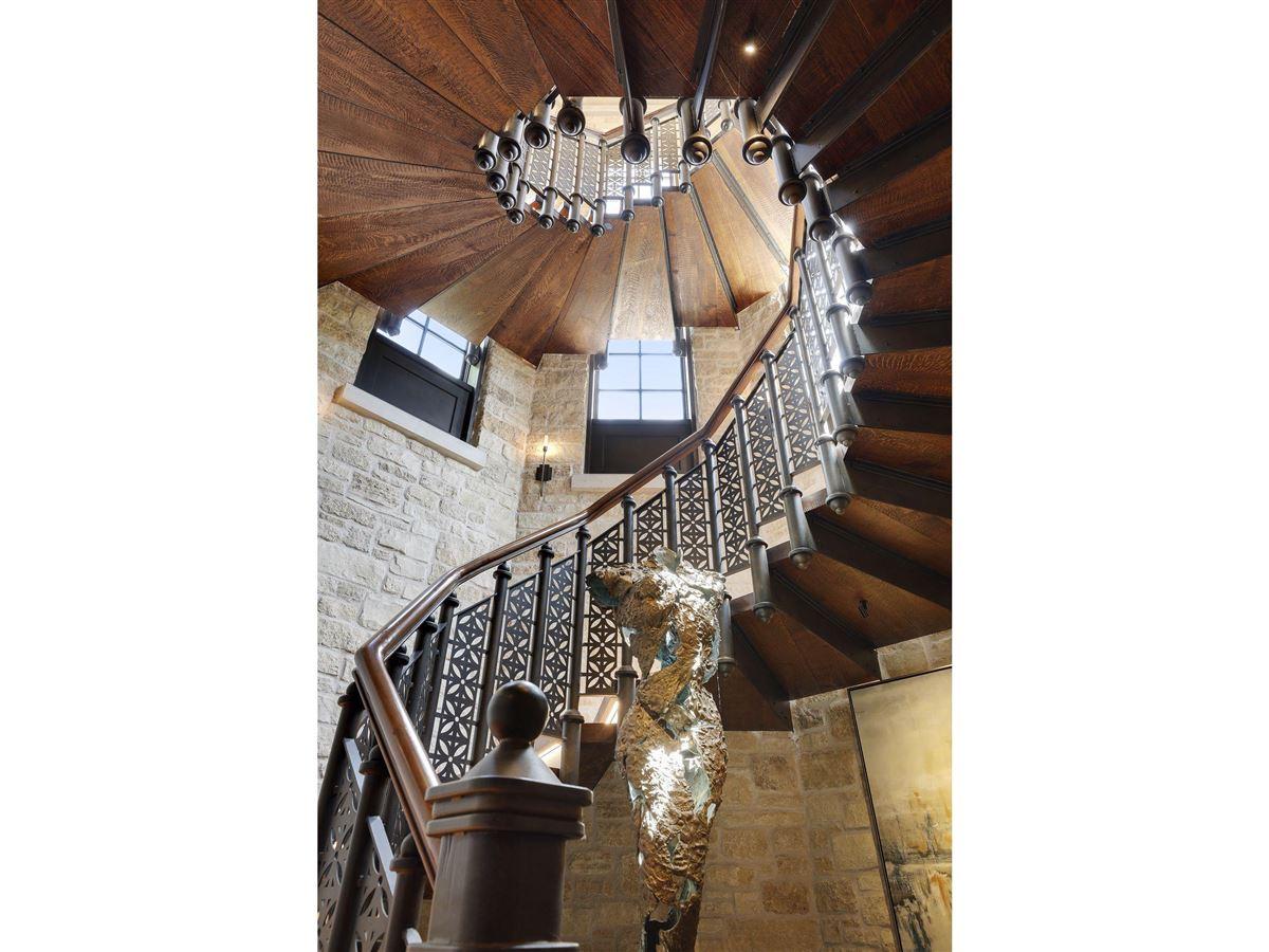 Huntington Manor luxury homes