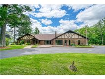 Mansions Over 27 acres with lake frontage