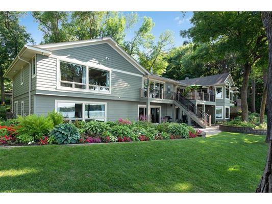 Luxury homes SENSATIONAL LAKE MINNETONKA PROPERTY ON LARGE LOT