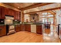 Luxury real estate an amazing home in Hayward
