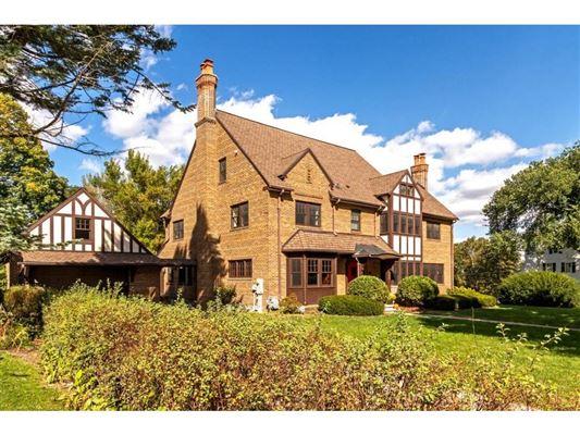 Luxury homes carefully preserved landmark Tudor