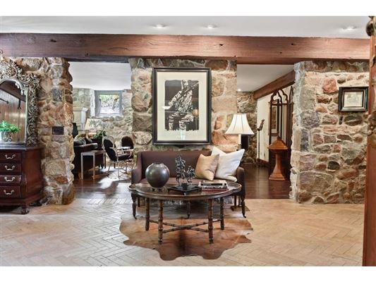 Kenwood at the Lake luxury real estate