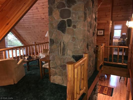 Mansions in Rush Lake log home with sand beach