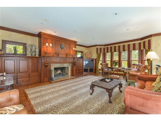 Luxury properties Magnificent estate on over four acres