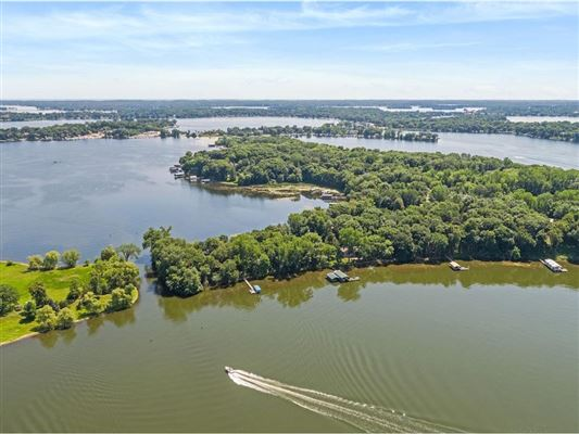 Luxury homes LAKE MINNETONKA PROPERTY