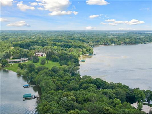 LAKE MINNETONKA PROPERTY luxury homes