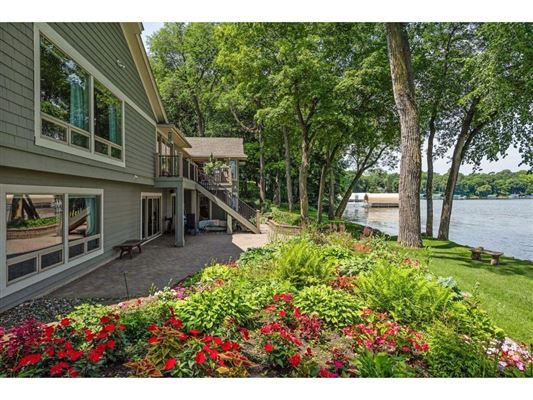 LAKE MINNETONKA PROPERTY mansions