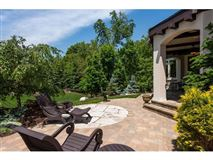 Luxury homes one of the most admired estates in Edina