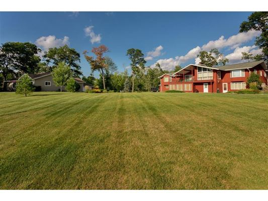 Luxury homes in private nine-acre Gull Lake property