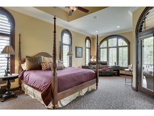 Luxury real estate Sumptuous, custom built home in blaine