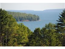 Luxury homes magnificent 190 acre property
