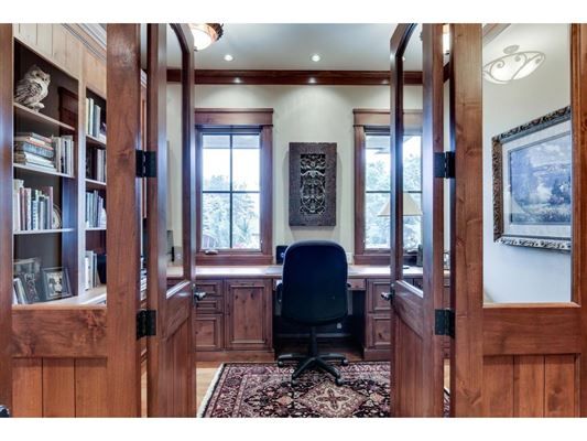 Luxury homes in Legacy property on the St. Croix River