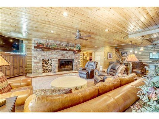 Mansions in Fully furnished Namekagon Lake luxury estate