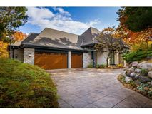 Luxury homes A PREMIERE INDIAN HILLS SETTING