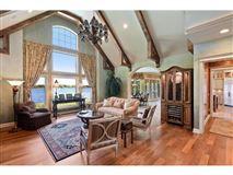 Luxury homes in Spectacular Lake Minnetonka home