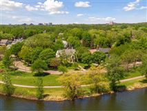 Landmark Lake of the Isles estate luxury properties