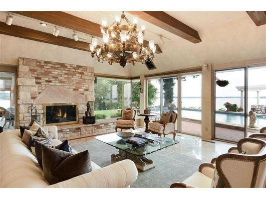 Luxury homes perfect stone andbrick lake estate
