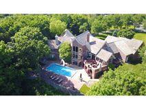 Luxury properties Gorgeous executive home