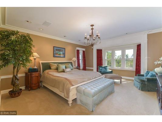 superb updated condition luxury homes