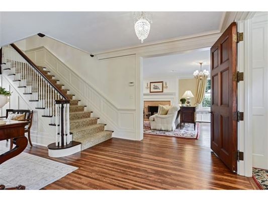 Luxury real estate Enchanting, historic white colonial