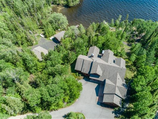 in the heart of Lake Vermilion on Daisy Bay mansions