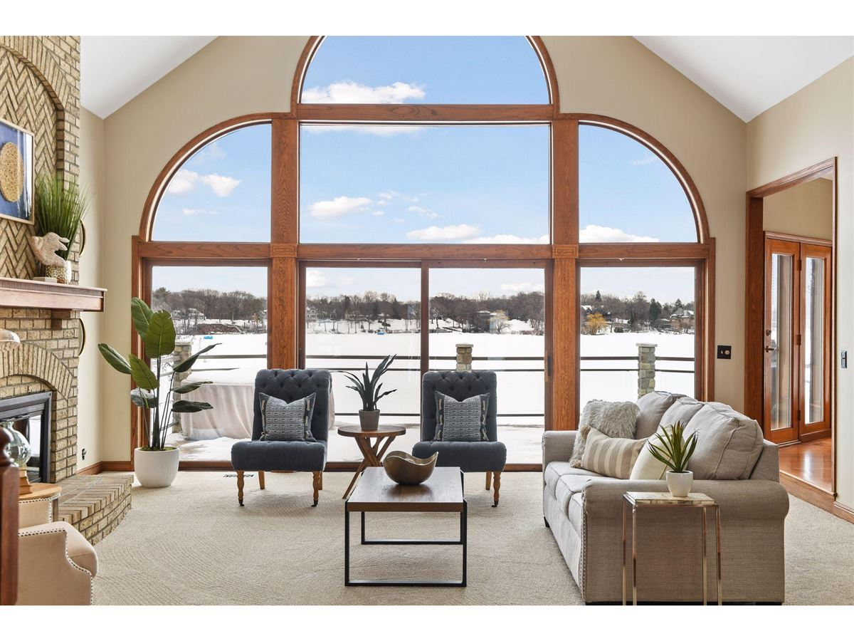 Luxury homes Lake living at its finest!
