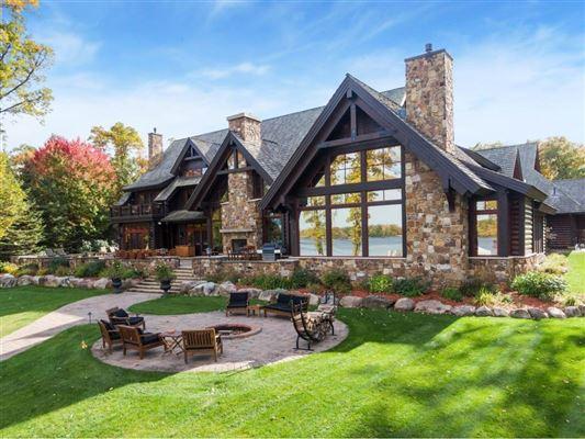 Luxury properties Extraordinary Waterfront Property
