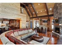Mansions in Extraordinary Waterfront Property