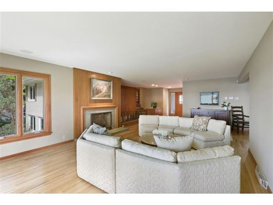 Spectacular southwest Lake Minnetonka property mansions