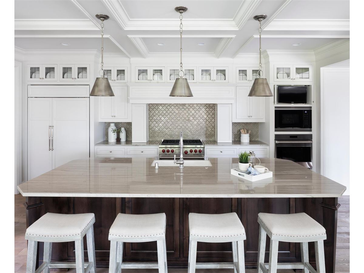 design and build a home in the Highlands Neighborhood luxury homes