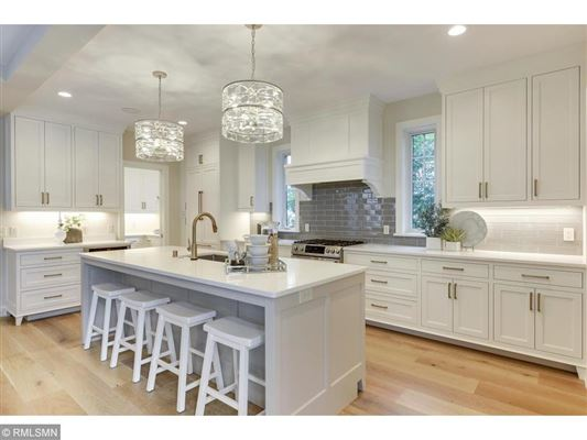 Beautiful SIX bedroom HOme luxury real estate