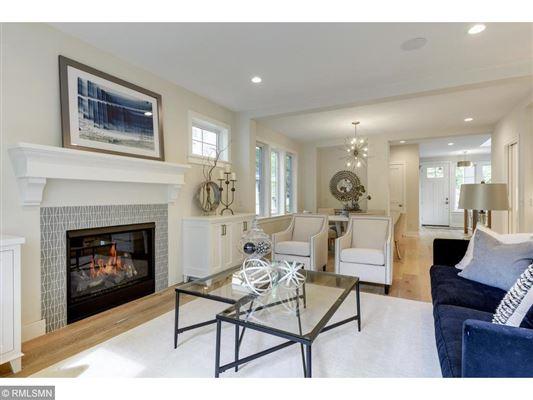 Luxury homes Beautiful SIX bedroom HOme