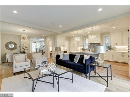 Beautiful SIX bedroom HOme luxury homes