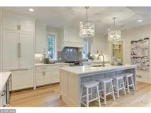 Luxury properties Beautiful SIX bedroom HOme