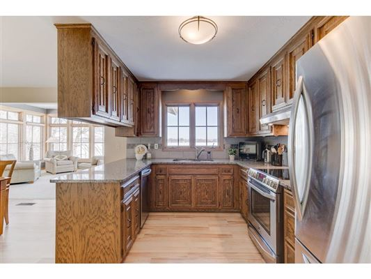 Warm and Inviting Home in Prior Lake luxury real estate