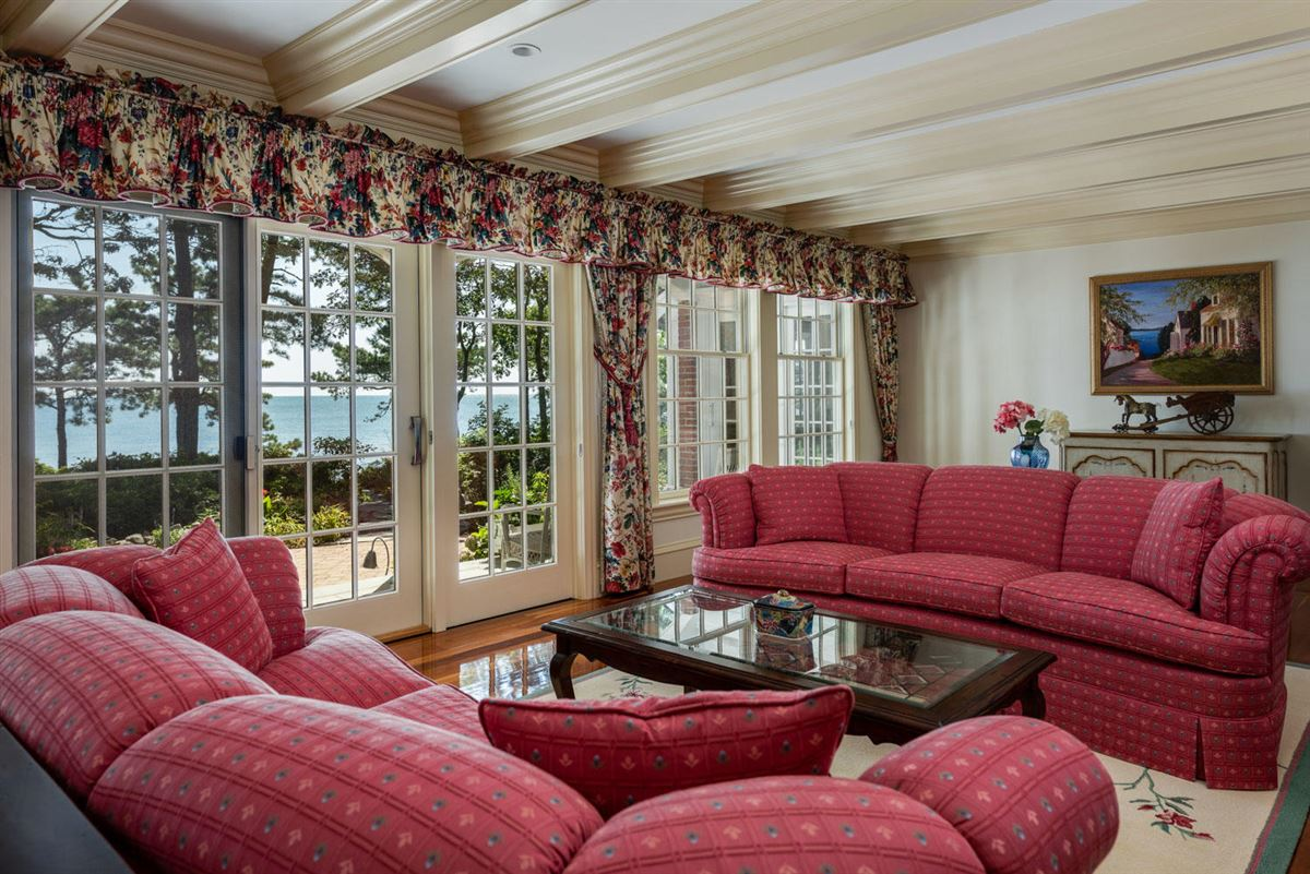 Luxury real estate Luxuriously appointed sandy beach front estate property