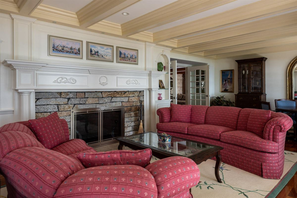 Luxury properties Luxuriously appointed sandy beach front estate property