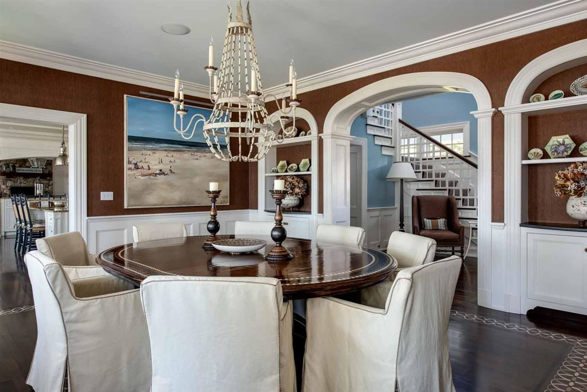 Luxury homes in Stunning Waterfront Estate in a Gated Community