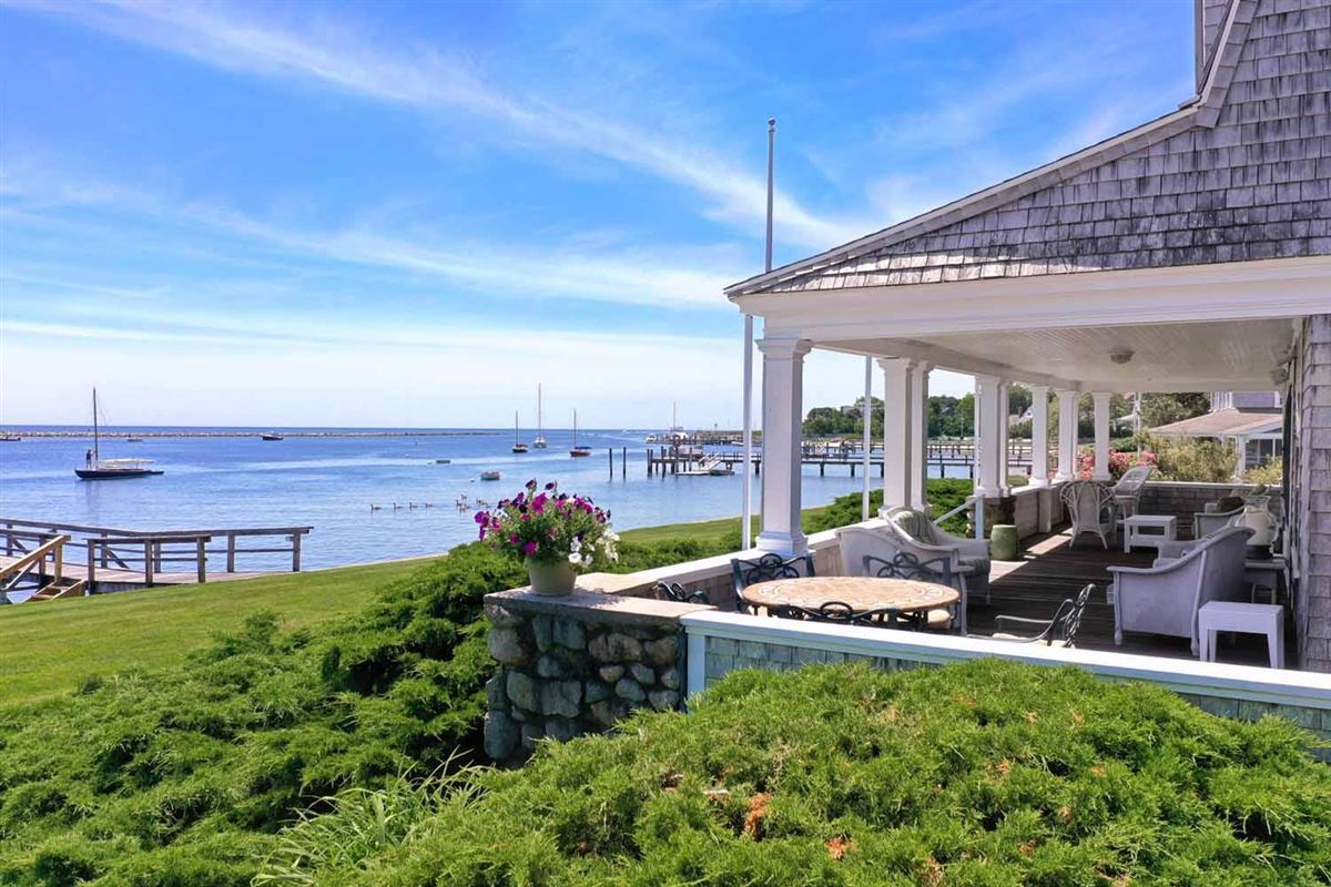 extraordinary waterfront residence luxury homes