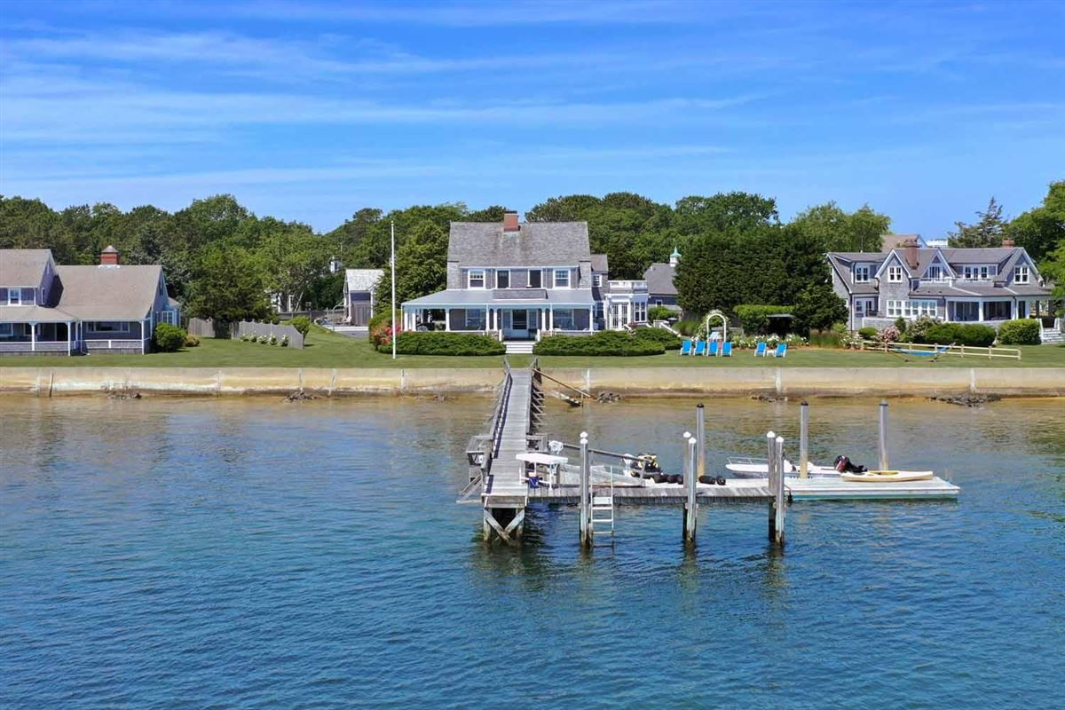 Luxury real estate extraordinary waterfront residence