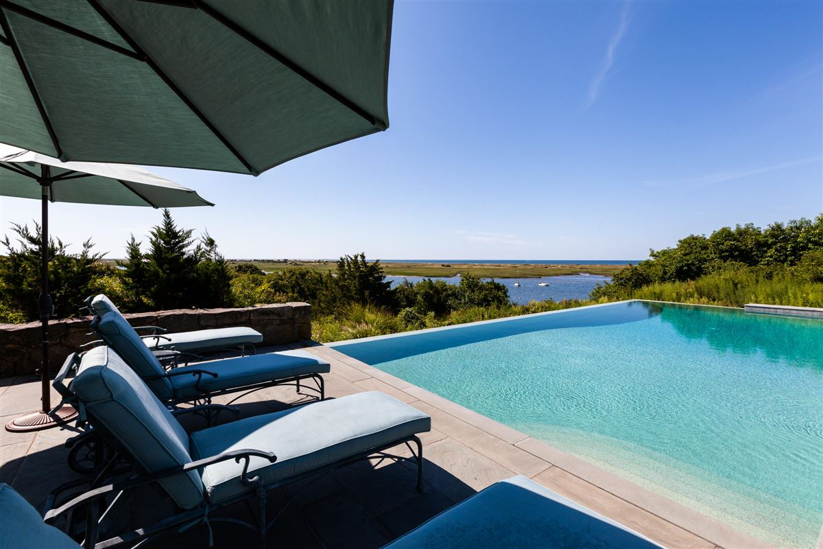 Luxury real estate Viewpoint Estate in chatham