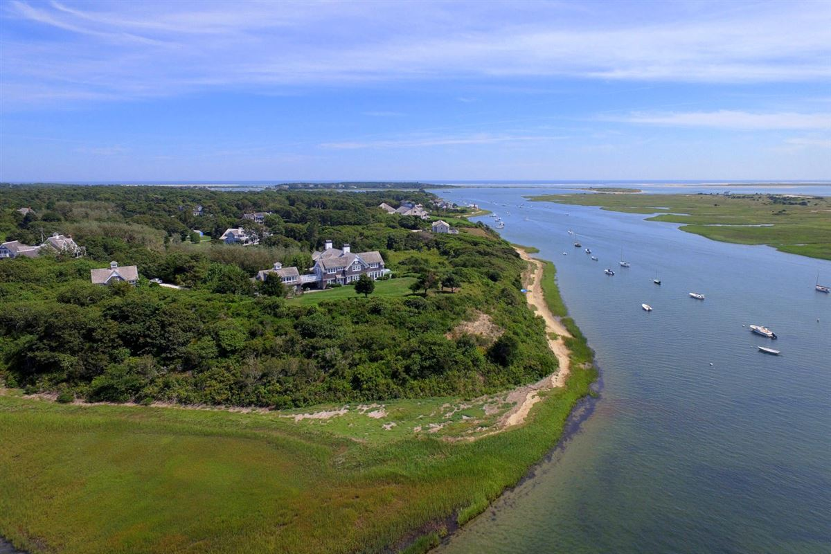 Luxury properties Viewpoint Estate in chatham