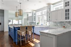 beautiful contemporary Farmhouse luxury homes