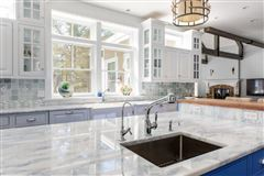 beautiful contemporary Farmhouse luxury properties