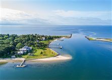 Exquisite waterfront estate in Osterville mansions