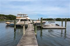 Luxury homes in glorious gated estate on Cotuit Bay