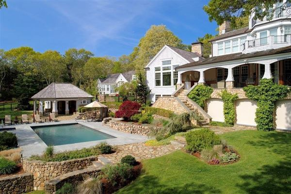 Luxury real estate glorious gated estate on Cotuit Bay