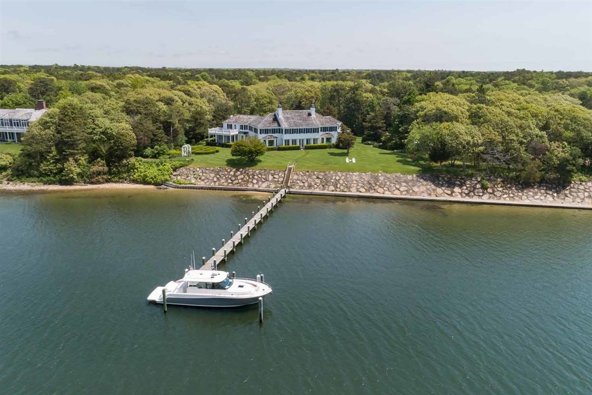 Mansions in the finest location oN Oyster Harbors